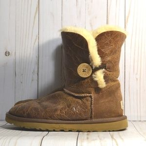 UGG Bailey Button Krinkle Boots 1872 Chestnut